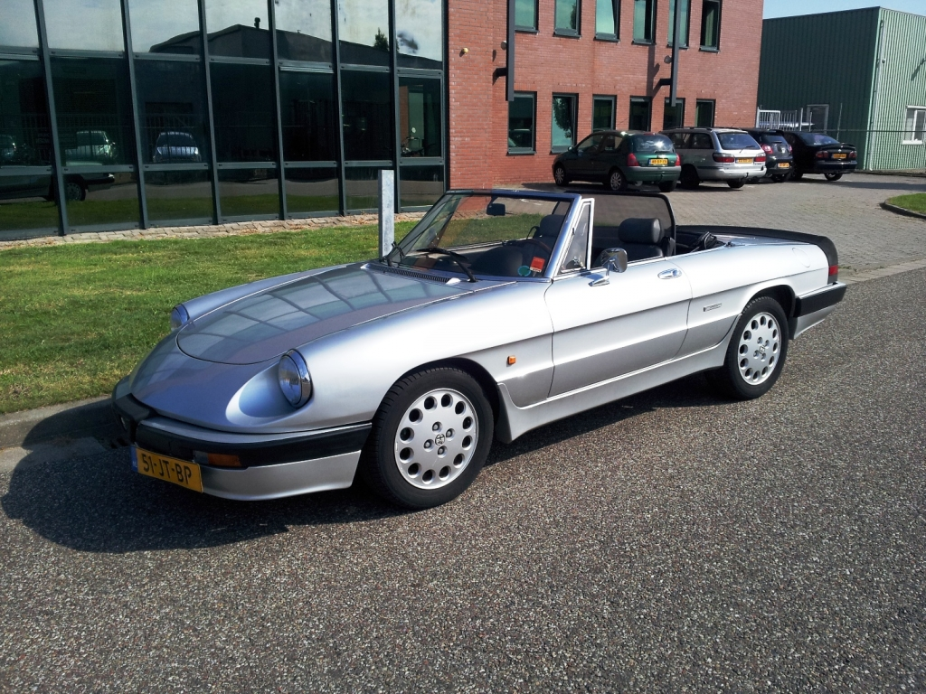 alfa romeo spider cabriolet 1988 verkocht. Black Bedroom Furniture Sets. Home Design Ideas